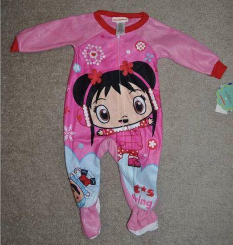 File:Girls Nick Ni Hao Kai-Lan 1PC Pink Footed Blanket Flannel Pajamas (1).jpg