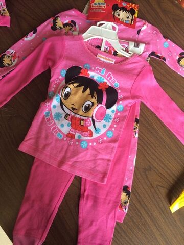 File:Ni Hao Kai Lan Nickelodeon Winter Scene Girls - 4 Piece Set Pajamas Size 2T (1).jpg