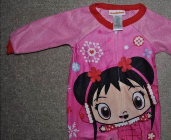 File:Girls Nick Ni Hao Kai-Lan 1PC Pink Footed Blanket Flannel Pajamas (3).jpg