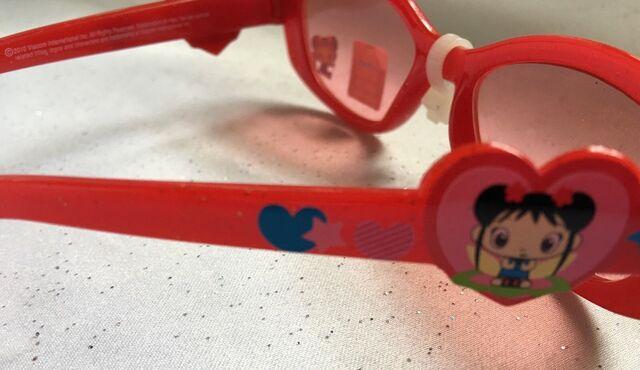 File:Ni Hao Kai Lan Girls Red Glitter Sunglasses (1).jpg