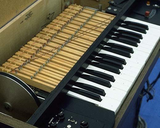 File:Mellotron.JPG