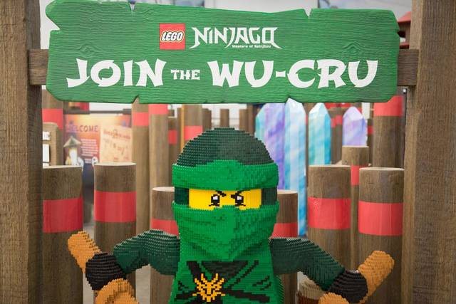 File:Lego wu cru lloyd.jpeg