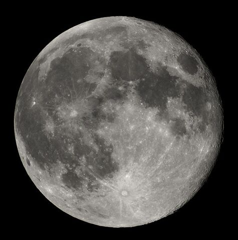 File:594px-Full Moon Luc Viatour.jpg