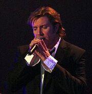 Simon Le Bon singing