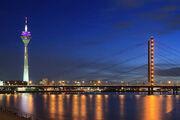 Rheinkniebrücke at night