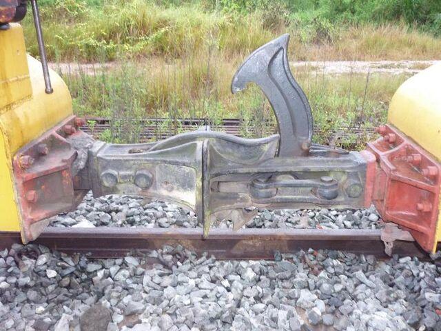 File:RailCarCoupler.Norw 0002.JPG