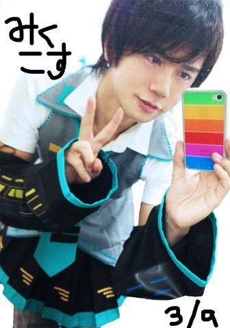 File:Shirofuku in miku outfit.jpg