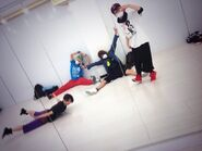 Slh group mirror selca practice