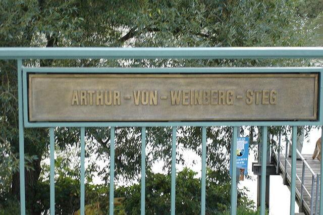 Datei:Arthur-von-Weinberg-Steg 1.jpg