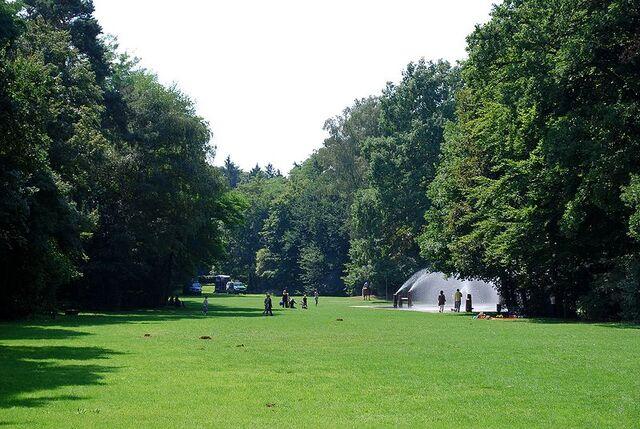 Datei:Leonhard-Eißnert-Park 5.jpg