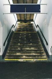 Bahnhof Treppenaufgang.jpg
