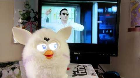Furby 2012-Yeti White