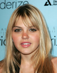 Aimee-teegarden-photo-120e2