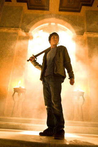 File:Logan-lerman-as-percy-jackson.jpg