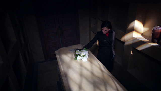 File:107FlowersOnCoffin.png