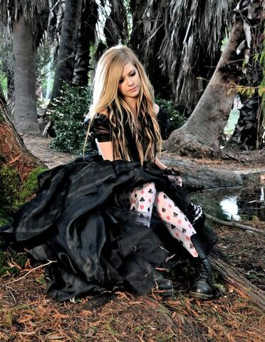File:Avril Lavigne Alice.jpg