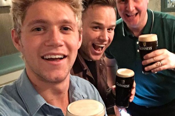 File:Olly-Murs-Niall-Horan-and-Mike.jpg