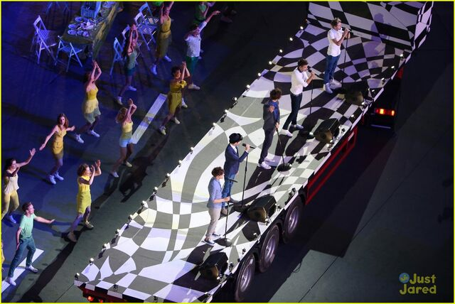 File:One-direction-closing-olympics-01.jpg