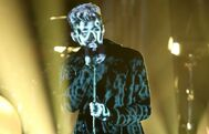 Zayn-performs-its-you-on-the-tonight-show