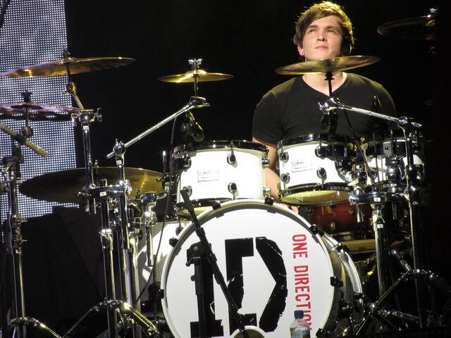 File:Josh Devine – One Direction Up All Night Tour.jpg
