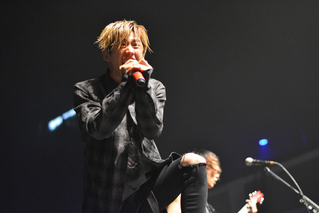 File:ONE OK ROCK Back to the Future Hearts 2015 06.jpg