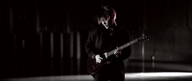 File:Mighty Long FallMusic Video screenshot 105.png