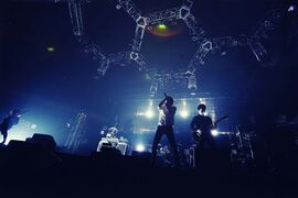 ONE OK ROCK 2010 This is my own judgment TOUR 11-28-10 03