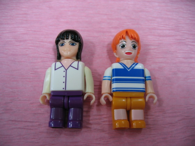 File:One Piece Mega Bloks Going Merry Figurine Set 3.png