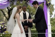 Naley-Wedding-one-tree-hill-1514614-800-533