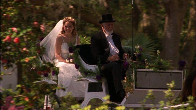File:322 h arrive at wedding.jpg