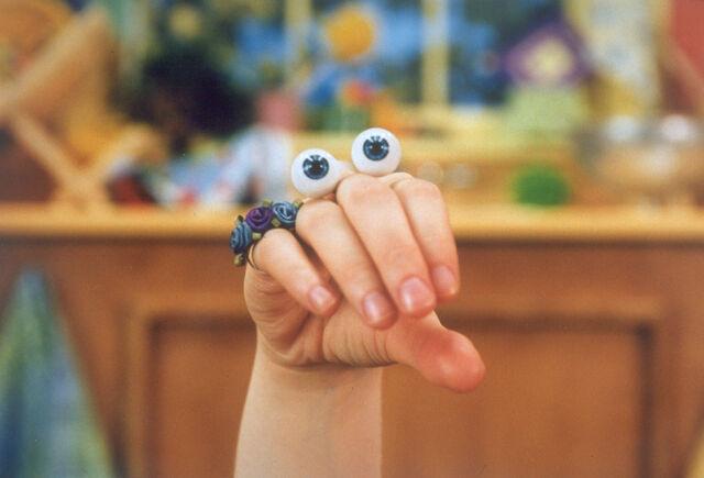 File:Oobi Uma Nick Jr Noggin TV Series Show Hand Puppet Character 1.jpg