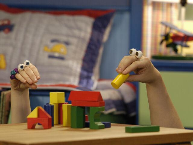 File:Oobi Uma Nick Jr Noggin TV Series Show Hand Puppet Character 5.jpg