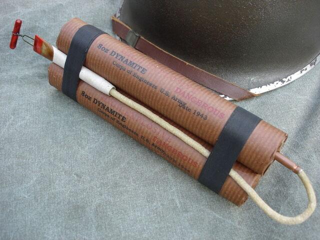 File:US ARMY Dynamite 3 Stick Bundle.JPG