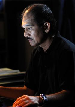 Lloyd Kumar
