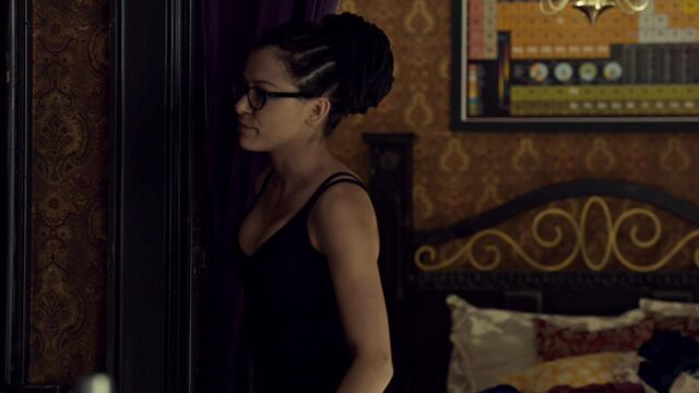 File:OrphanBlackS01E07-1196.jpg