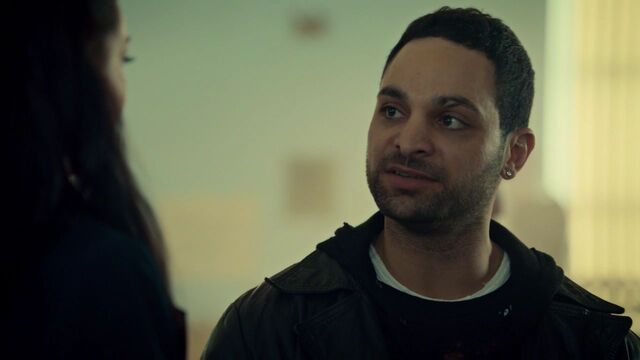 File:OrphanBlackS01E10 1376.jpg