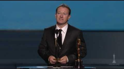 Simon Beaufoy Wins Adapted Screenplay 2009 Oscars