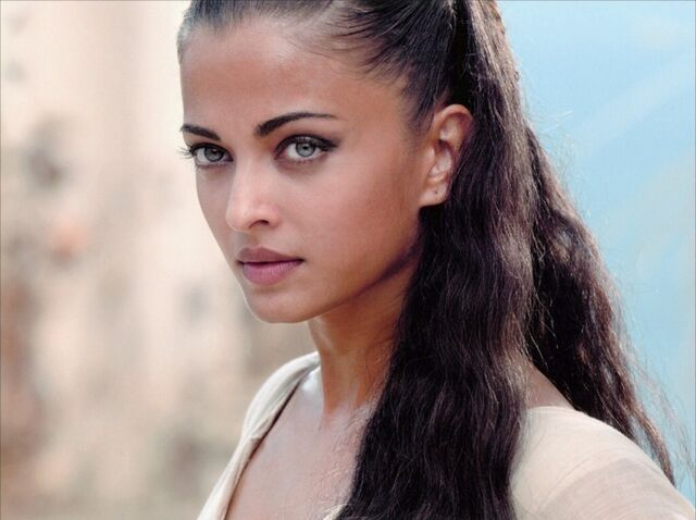 File:Esmeralda.jpg