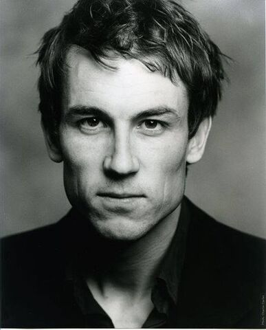 File:Tobias Menzies headshot.jpg