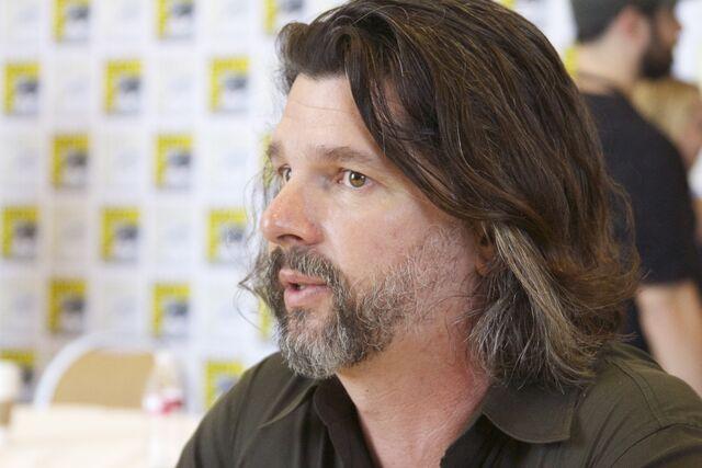 File:Ronald D Moore - Comic Con 2013.jpg