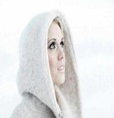 Greta-Salome-Everywhere-Around-Me