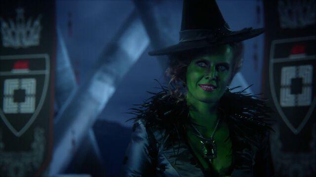 File:Zelena-Trying-On-Reginas-Dress-3x13-Witch-Hunt.jpg