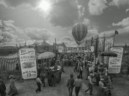 File:Oz-the-great-and-powerful-black-and-white-intro.jpg