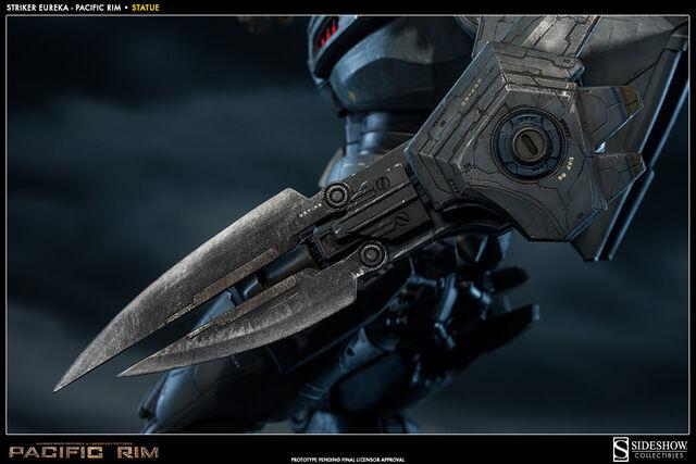 File:Striker Eureka (Sideshow Collectibles) 06.jpg