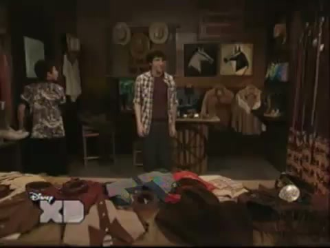 File:Pair of Kings S01E15 Brady Battles Boo-Mer 0495.jpg