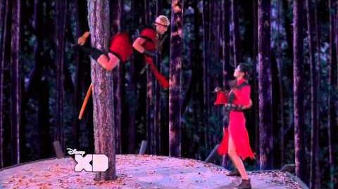 HD Pair Of Kings - Mikayla Fights Sabrina,Boomer Rescues Brady (Pair of Kings Crouching Brady)