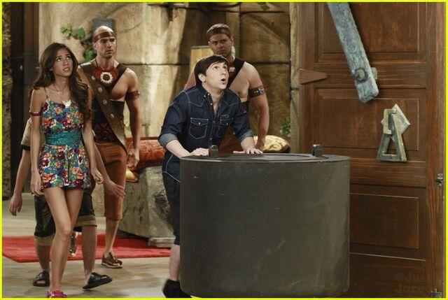 File:Dwight-howard-pair-kings-chef-10.jpg