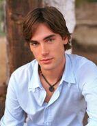 Drew Fuller (Daniel Dominique-Mathis)