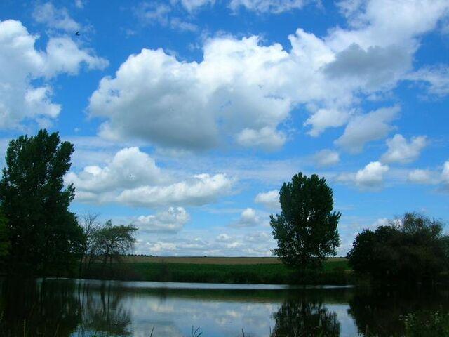 File:Lake2.jpg