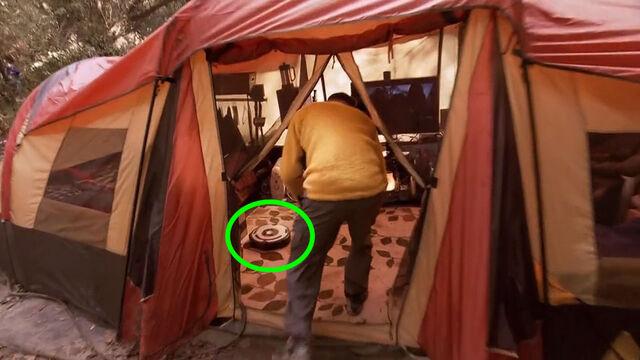 File:DJ Roomba in tent 1000x.jpg